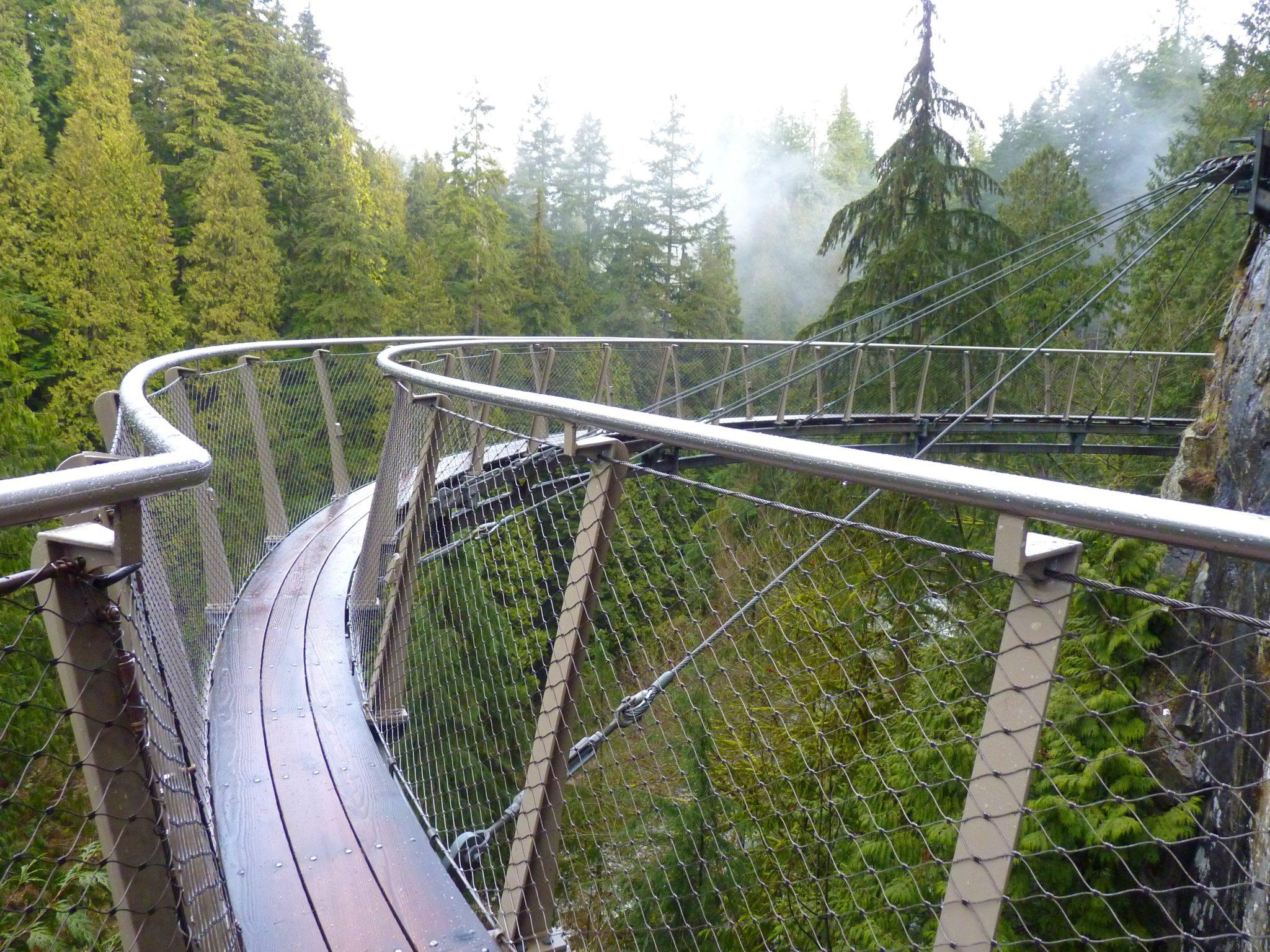 Cliffwalk 01 Capilano Suspension Bridge Park Vancouver Canadá Mundo Indefinido