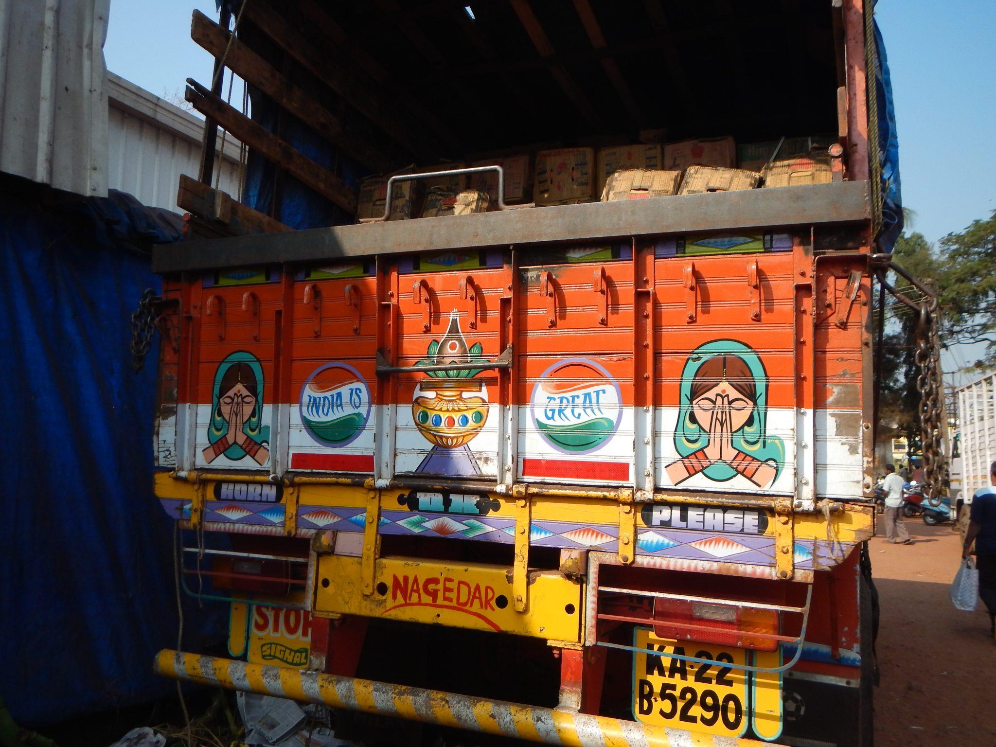 Autocarro Goa Mapuçá 03 Mundo Indefinido